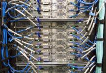 Wyposażenie serwerowni w szafki rack